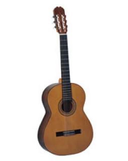 Классическая гитара Admira Capricho